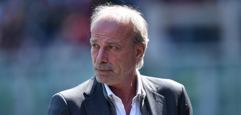 TURIN, ITALY - APRIL 12:  Sporting director of Roma Walter Sabatini looks on prior to the Serie A match between Torino FC and AS Roma at Stadio Olimpico di Torino on April 12, 2015 in Turin, Italy.  (Photo by Valerio Pennicino/Getty Images)