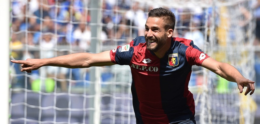 GENOA, ITALY - MAY 08:  Leonardo Pavoletti of Genoa CFC celebrates after scoring the opening goal during the Serie A match between UC Sampdoria and Genoa CFC at Stadio Luigi Ferraris on May 8, 2016 in Genoa, Italy.  (Photo by Valerio Pennicino/Getty Images)
