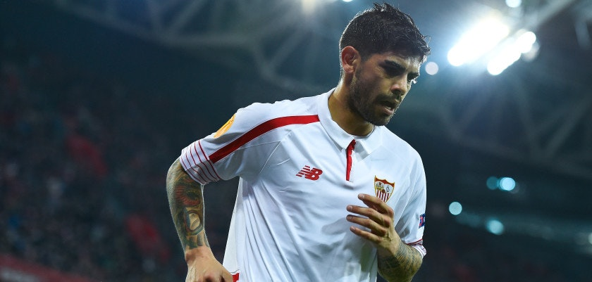 BILBAO, SPAIN - APRIL 07:  Ever Banega of Sevilla FC looks on during the UEFA Europa League quarter final first leg match between Athletic Bilbao and Sevilla at San Mames Stadium on April 7, 2016 in Bilbao, Spain.  (Photo by David Ramos/Getty Images)