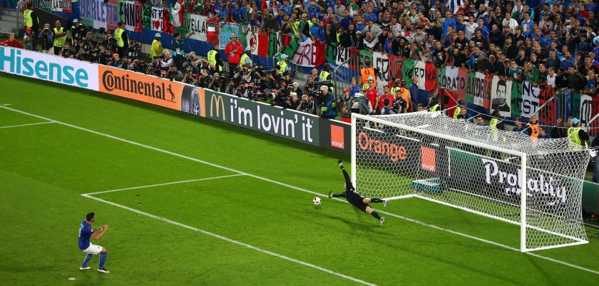 BORDEAUX, FRANCE - JULY 02:  Graziano Pelle of Italy misses at the penalty shootout during the UEFA EURO 2016 quarter final match between Germany and Italy at Stade Matmut Atlantique on July 2, 2016 in Bordeaux, France.  (Photo by Lars Baron/Getty Images)