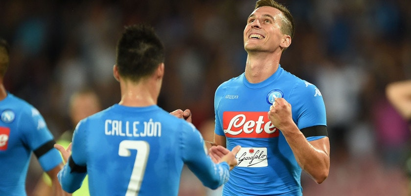 NAPLES, ITALY - AUGUST 27:  Arkadiusz Milik and Jose Maria Callejon of Napoli celebrate a goal 1-0 scored by Lorenzo Insigne during the Serie A match between SSC Napoli and AC Milan at Stadio San Paolo on August 27, 2016 in Naples, Italy.  (Photo by Francesco Pecoraro/Getty Images)
