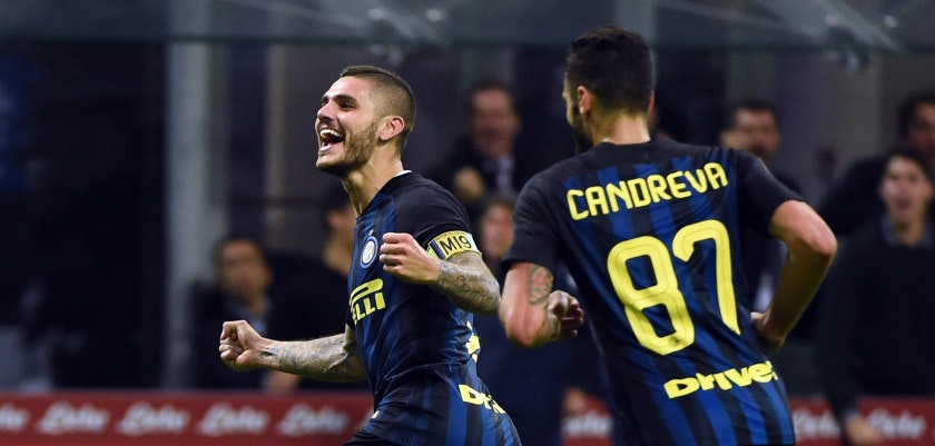 MILAN, ITALY - OCTOBER 26:  Mauro Icardi of FC Internazionale celebrates his second goal during the Serie A match between FC Internazionale and FC Torino at Stadio Giuseppe Meazza on October 26, 2016 in Milan, Italy.  (Photo by Pier Marco Tacca/Getty Images)