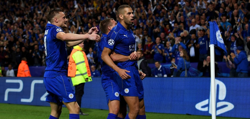 LEICESTER, ENGLAND - SEPTEMBER 27:  Islam Slimani of Leicester City (R) celebrates with team mates as he scores their first goal during the UEFA Champions League Group G match between Leicester City FC and FC Porto at The King Power Stadium on September 27, 2016 in Leicester, England.  (Photo by Shaun Botterill/Getty Images)