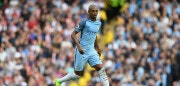 MANCHESTER, ENGLAND - AUGUST 13:  Manchester City player Fernandinho in action during the Premier League match between Manchester City and Sunderland at Etihad Stadium on August 13, 2016 in Manchester, England.  (Photo by Stu Forster/Getty Images)