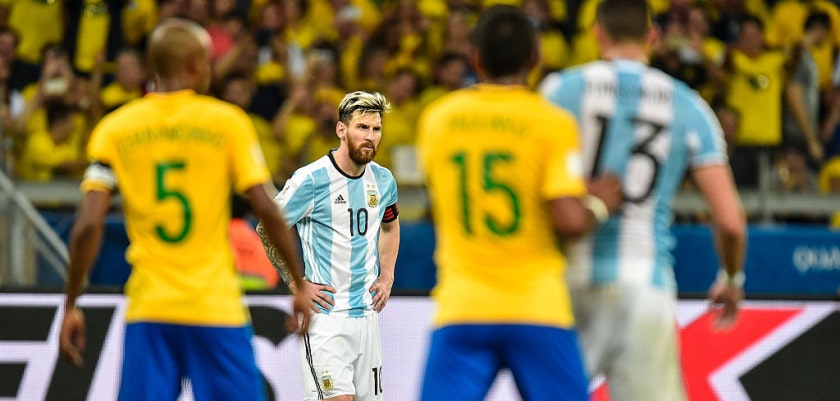 BELO HORIZONTE, BRAZIL - NOVEMBER 10: Messi #10 of Argentina a match between Brazil and Argentina as part 2018 FIFA World Cup Russia Qualifier at Mineirao stadium on November 10, 2016 in Belo Horizonte, Brazil. (Photo by Pedro Vilela/Getty Images)