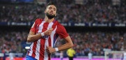 MADRID, SPAIN - OCTOBER 29:  Yannick Carrasco of Club Atletico de Madrid celebrates after scoring his team's 4th goal during the La Liga match between Club Atletico de Madrid and Malaga CF at estadio Vicente Calderon on October 29, 2016 in Madrid, Spain.  (Photo by Denis Doyle/Getty Images)