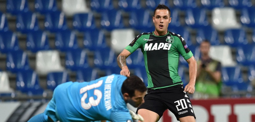 REGGIO NELL'EMILIA, ITALY - SEPTEMBER 15:  Pol Lirola of US Sassuolo Calcio scores the opening goal during the UEFA Europa League match between US Sassuolo Calcio and Athletic Club at Mapei Stadium - Citta' del Tricolore on September 15, 2016 in Reggio nell'Emilia, Italy.  (Photo by Giuseppe Bellini/Getty Images)