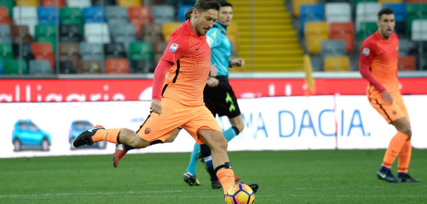 UDINE, ITALY - JANUARY 15:  Francesco Totti  of AS Roma in action during the Serie A match between Udinese Calcio and AS Roma at Stadio Friuli on January 15, 2017 in Udine, Italy.  (Photo by Dino Panato/Getty Images)
