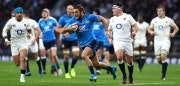 LONDON, ENGLAND - FEBRUARY 26: Giovanbattista Venditti of Italy runs with the ball during the RBS Six Nations match between England and Italy at Twickenham Stadium on February 26, 2017 in London, England.  (Photo by Clive Rose/Getty Images)