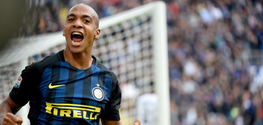 MILAN, ITALY - OCTOBER 16:  Joao Mario of FC Internazionale celebrates his first goal during the Serie A match between FC Internazionale and Cagliari Calcio at Stadio Giuseppe Meazza on October 16, 2016 in Milan, Italy.  (Photo by Pier Marco Tacca/Getty Images)