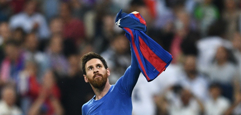 MADRID, SPAIN - APRIL 23:  Lionel Messi of Barcelona celebrates as he scores their third goal during the La Liga match between Real Madrid CF and FC Barcelona at Estadio Bernabeu on April 23, 2017 in Madrid, Spain.  (Photo by David Ramos/Getty Images)