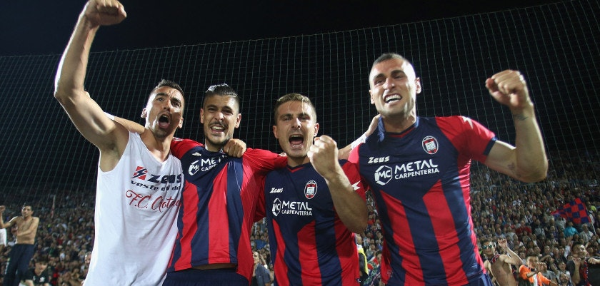 CROTONE, ITALY - MAY 28: Players of Crotone celebrate after the Serie A match between FC Crotone and SS Lazio at Stadio Comunale Ezio Scida on May 28, 2017 in Crotone, Italy. (Photo by Maurizio Lagana/Getty Images)