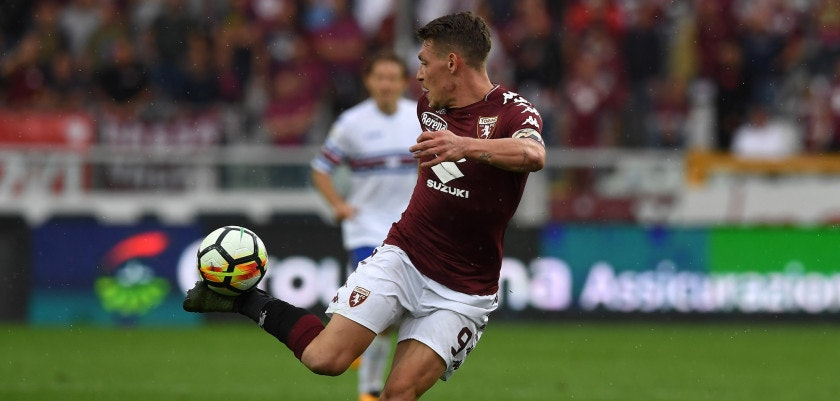 TURIN, ITALY - SEPTEMBER 17:  Andrea Belotti of Torino FC strikes with the heel during the Serie A match between Torino FC and UC Sampdoria at Stadio Olimpico di Torino on September 17, 2017 in Turin, Italy.  (Photo by Valerio Pennicino/Getty Images)