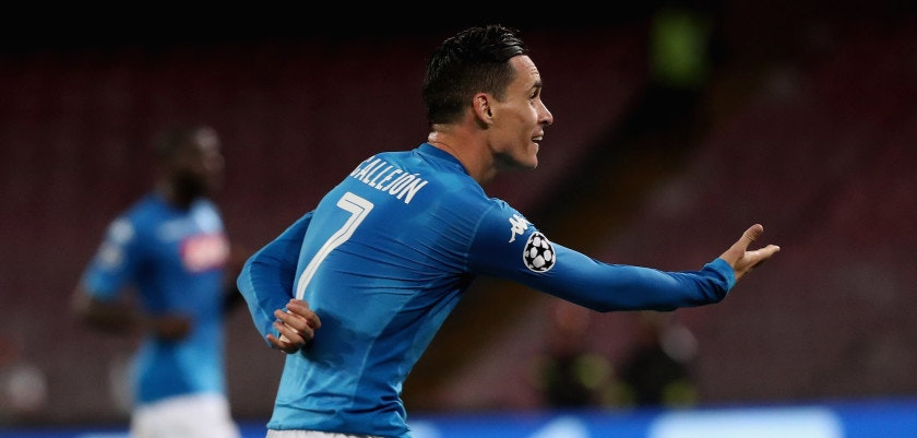 NAPLES, ITALY - SEPTEMBER 26:  Jose Callejon of Napoli celebrates his team's third goal during the UEFA Champions League group F match between SSC Napoli and Feyenoord at Stadio San Paolo on September 26, 2017 in Naples, Italy.  (Photo by Maurizio Lagana/Getty Images)