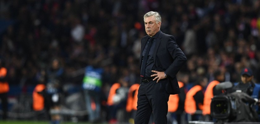 Bayern Munich's Italian head coach Carlo Ancelotti gestures during the UEFA Champions League football match between Paris Saint-Germain and Bayern Munich on September 27, 2017 at the Parc des Princes stadium in Paris. / AFP PHOTO / FRANCK FIFE        (Photo credit should read FRANCK FIFE/AFP/Getty Images)