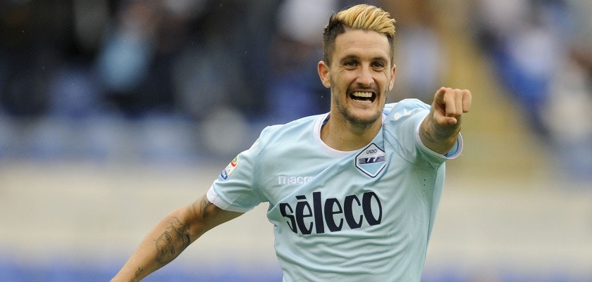 ROME, ROMA - SEPTEMBER 10:  Luis Alberto of SS Lazio celebrates a fourth goal during the Serie A match between SS Lazio and AC Milan at Stadio Olimpico on September 10, 2017 in Rome, Italy.  (Photo by Marco Rosi/Getty Images)