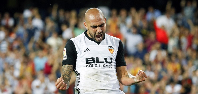 Valencia's player Simone Zaza celebrates after scoring a goal during a soccer match between Valencia and Malaga, of the fifth day of LaLiga, held at the Mestalla stadium in Valencia, Spain, on 19 September 2017. EFE/Kai Försterling