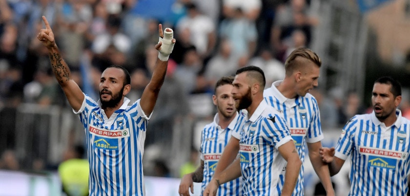 Spal's  midfielder Pasquale Schiattarella  celebrates after scoring a goal during the Serie A football match between Spal and Napoli at Paolo Mazza Stadium in Ferrara on September 23, 2017.  / AFP PHOTO / TIZIANA FABI        (Photo credit should read TIZIANA FABI/AFP/Getty Images)