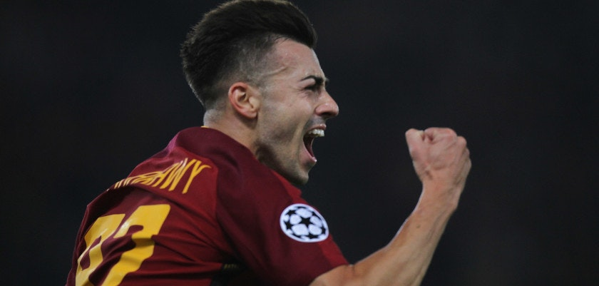 ROME, ITALY - OCTOBER 31:  Stefan El Shaarawy of AS Roma celebrate after scoring the team's second goal during the UEFA Champions League group C match between AS Roma and Chelsea FC at Stadio Olimpico on October 31, 2017 in Rome, Italy.  (Photo by Paolo Bruno/Getty Images )
