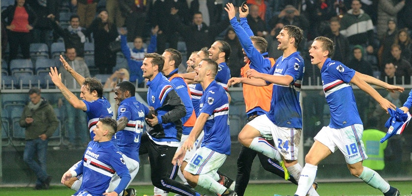 GENOA, ITALY - NOVEMBER 04:  Sampdoria players celebrate at the end of Serie A match between Genoa CFC and UC Sampdoria at Stadio Luigi Ferraris on November 4, 2017 in Genoa, Italy.  (Photo by Paolo Rattini/Getty Images)