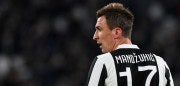 TURIN, ITALY - NOVEMBER 26: Mario Mandzukic of Juventus looks on during the Serie A match between Juventus and FC Crotone at Allianz Stadium on November 26, 2017 in Turin, Italy.  (Photo by Alessandro Sabattini/Getty Images)