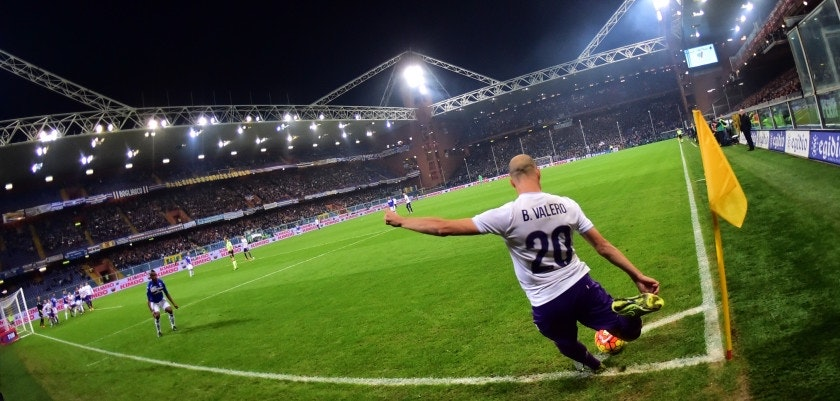 Fiorentina's midfielder from Spain Borja Valero kicks a corner during the Italian Seria A football match Sampdoria vs Fiorentina, on November 8, 2015 at Luigi Ferraris Stadium in Genoa. AFP PHOTO / GIUSEPPE CACACE        (Photo credit should read GIUSEPPE CACACE/AFP/Getty Images)
