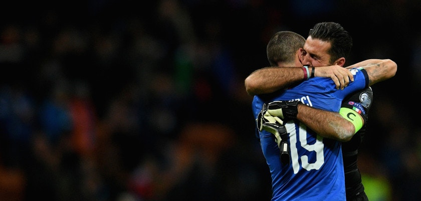 MILAN, ITALY - NOVEMBER 13:  Gianluigi Buffon and Leonardo Bonucci #19 of Italy dejected at the end of the FIFA 2018 World Cup Qualifier Play-Off: Second Leg between Italy and Sweden at San Siro Stadium on November 13, 2017 in Milan, Italy.  (Photo by Claudio Villa/Getty Images)