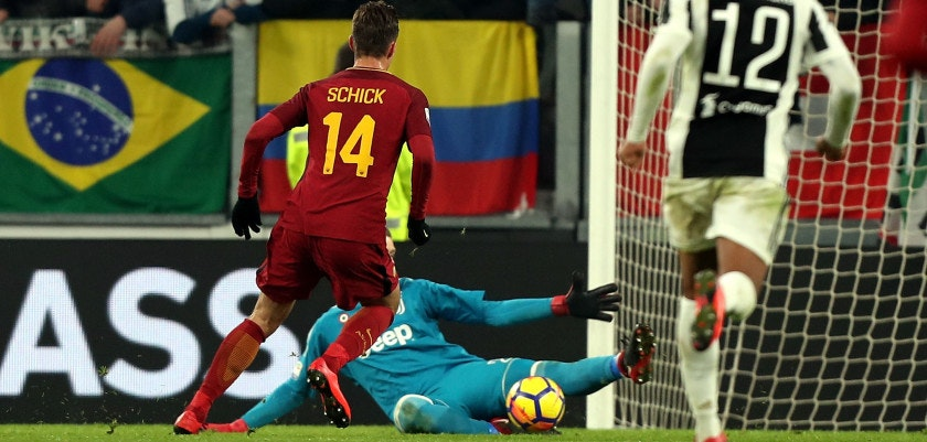 TURIN, ITALY - DECEMBER 23: Patrik Schick of AS Roma misses a goal during the serie A match between Juventus and AS Roma at the Allianz Stadium on December 23, 2017 in Turin, Italy.  (Photo by Gabriele Maltinti/Getty Images)