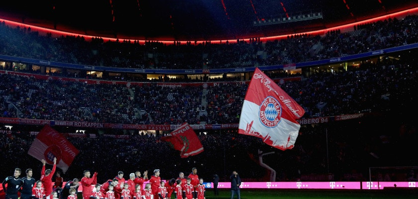 MUNICH, GERMANY - DECEMBER 13:  Players of FC Bayern Muenchen enter the field of play for the Bundesliga match between FC Bayern Muenchen and 1. FC Koeln at Allianz Arena on December 13, 2017 in Munich, Germany.  (Photo by Alexander Hassenstein/Bongarts/Getty Images)