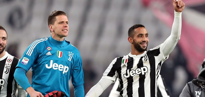 TURIN, ITALY - DECEMBER 23: Medhi Benatia and Wojciech Szczesny of Juventus reacts during the serie A match between Juventus and AS Roma at the Allianz Stadium on December 23, 2017 in Turin, Italy.  (Photo by Gabriele Maltinti/Getty Images)