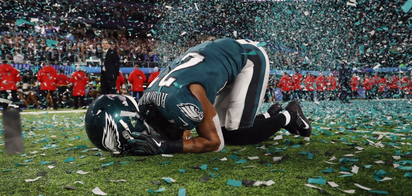 MINNEAPOLIS, MN - FEBRUARY 04: Patrick Robinson #21 of the Philadelphia Eagles celebrates after defeating the New England Patriots 41-33 in Super Bowl LII at U.S. Bank Stadium on February 4, 2018 in Minneapolis, Minnesota.  (Photo by Elsa/Getty Images)