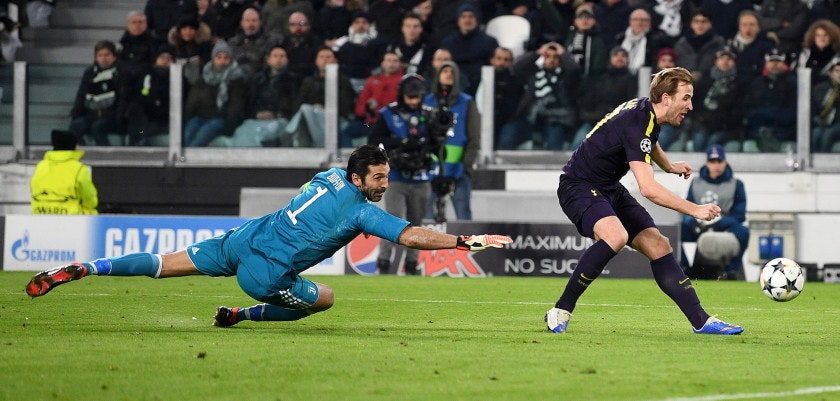 TURIN, ITALY - FEBRUARY 13:  Harry Kane of Tottenham Hotspur scores his sides first goal past Gianluigi Buffon of Juventus during the UEFA Champions League Round of 16 First Leg  match between Juventus and Tottenham Hotspur at Allianz Stadium on February 13, 2018 in Turin, Italy.  (Photo by Michael Regan/Getty Images)