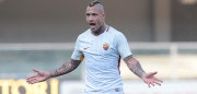 VERONA, ITALY - FEBRUARY 04:  Radja Nainggolan of AS Roma gestures during the serie A match between Hellas Verona FC and AS Roma at Stadio Marc'Antonio Bentegodi on February 4, 2018 in Verona, Italy.  (Photo by Emilio Andreoli/Getty Images)