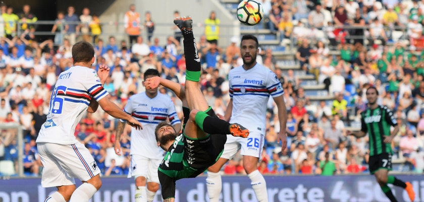 REGGIO NELL'EMILIA, ITALY - MAY 06: Domenico Berardi of US Sassuolo in action during the serie A match between US Sassuolo and UC Sampdoria at Mapei Stadium - Citta' del Tricolore on May 6, 2018 in Reggio nell'Emilia, Italy.  (Photo by Alessandro Sabattini/Getty Images)