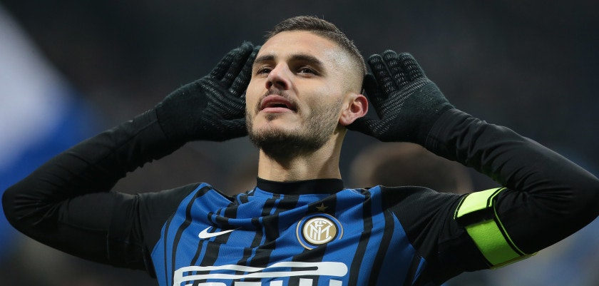 MILAN, ITALY - NOVEMBER 19:  Mauro Emanuel Icardi of FC Internazionale Milano celebrates his second goal during the Serie A match between FC Internazionale and Atalanta BC at Stadio Giuseppe Meazza on November 19, 2017 in Milan, Italy.  (Photo by Emilio Andreoli/Getty Images)