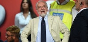 NAPLES, ITALY - AUGUST 01:  Aurelio De Laurentiis the President of SSC Napoli looks on prior to during the pre-season friendly match between SSC Napoli and OGC Nice at Stadio San Paolo on August 1, 2016 in Naples, Italy.  (Photo by Francesco Pecoraro/Getty Images)