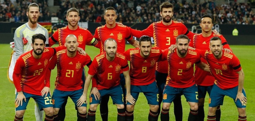 Spain's players pose for a team photo prior to the international friendly football match of Germany vs Spain in Duesseldorf, western Germany, on March 23, 2018, in preparation of the 2018 Fifa World Cup: (front row, L-R) Spain's midfielder Isco, Spain's midfielder David Silva, Spain's midfielder Andres Iniesta, Spain's midfielder Koke, Spain's defender Daniel Carvajal and Spain's defender Jordi Alba; (row behind, L-R) Spain's goalkeeper David de Gea, Spain's defender Sergio Ramos, Spain's forward Rodrigo, Spain's defender Gerard Pique and Spain's midfielder Thiago Alcantara. / AFP PHOTO / Odd ANDERSEN        (Photo credit should read ODD ANDERSEN/AFP/Getty Images)
