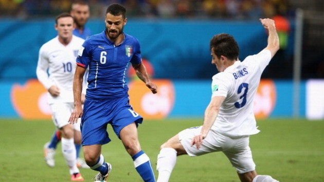 450621250-antonio-candreva-of-italy-is-challenged-by-leighton