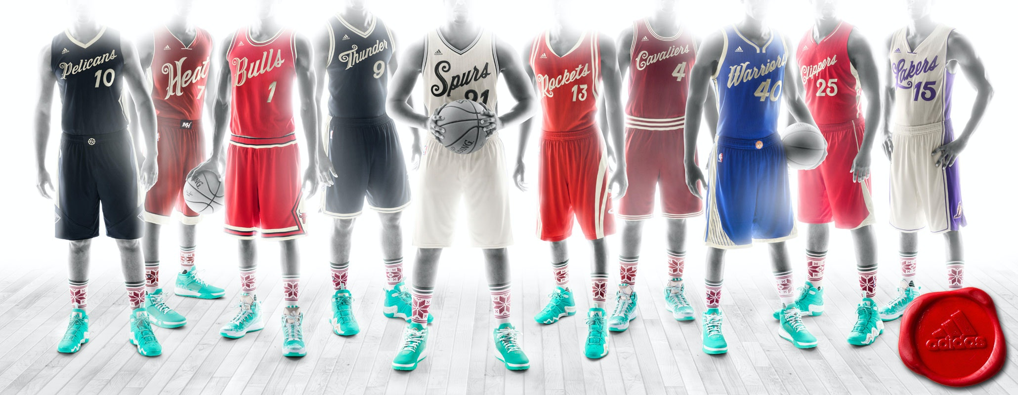NBA-XMAS-JERSEY---STANDING