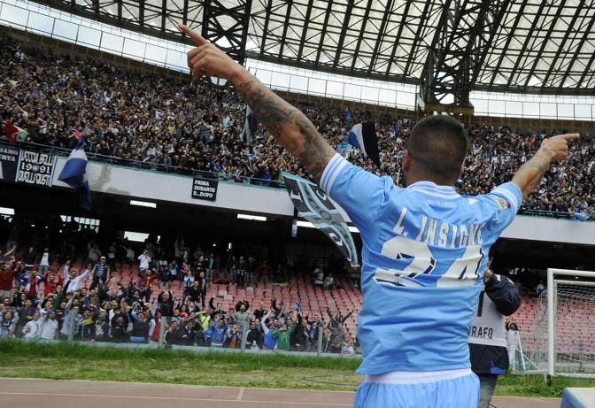 Napoli's Lorenzo Insigne celebrates after scoring during a Serie A soccer match between Napoli and Cagliari, at the Naples San Paolo stadium, Italy, Sunday, April, 21, 2013. Napoli won 3-2. (AP Photo/Salvatore Laporta)