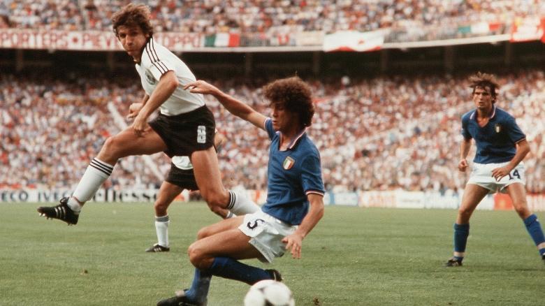 Fussball-WM-Weltmeisterschaft-1982-82-in-Spanien-Deutschland-BRD-Italien-Klaus-Fischer