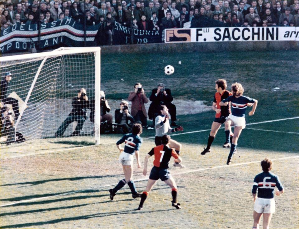 Pruzzo_-_Genoa_derby_1977