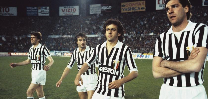 Le 10 maglie più belle dei 120 anni della Juventus  ac8146cd9892f